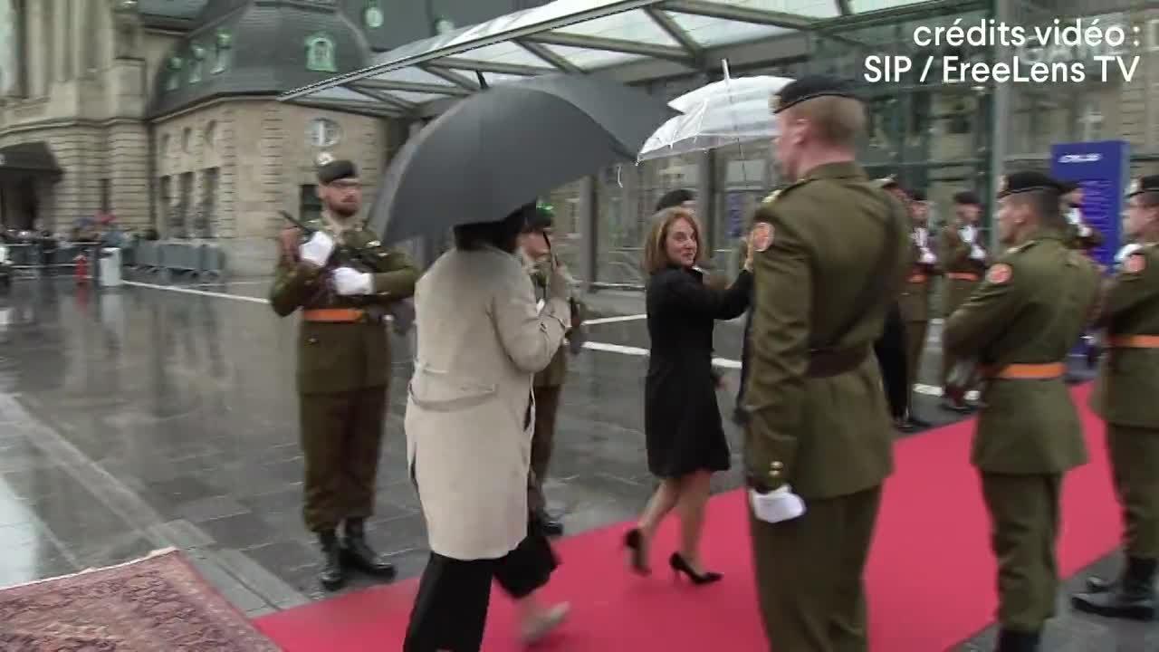 L'arrivée du couple royal belge en gare de Luxembourg
